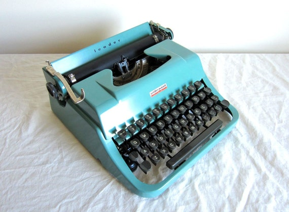 Sale - Robin Egg Blue Underwood Golden Touch Typewriter - Susanna - Professionally Serviced