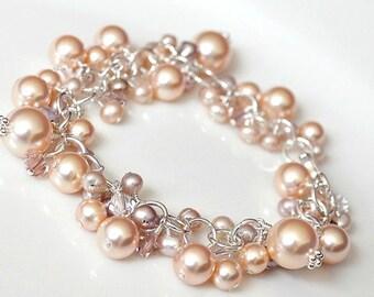 Peach Pearl Bracelet. Bridesmaids Bracelet, Chunky Pearl Bracelet. Freshwater Pearl Crystal Jewelry for the Beach Wedding