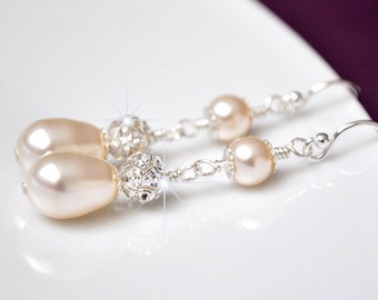 Pearl Bridal Earrings. Rhinestone Wedding Earrings. Pearl Wedding Jewelry, Swarovski Bridal Earrings