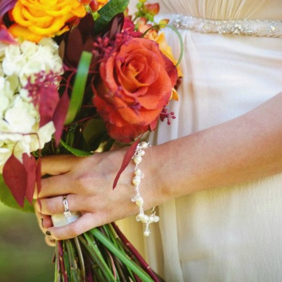 Wedding Bracelet, Ivory Pearl Bracelet, Bridal Bracelet, Crystal Pearl Jewelry, Sterling Silver Charm Bracelet. Wedding Jewellery