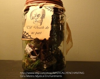 Primitive  style HALLOWEEN Jar Of Skulls