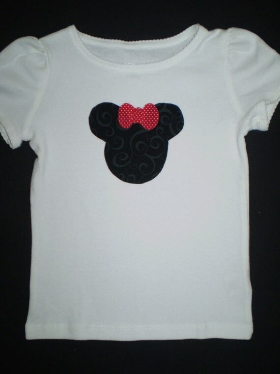 Minnie Mouse Appliqued Tshirt with Red Bow
