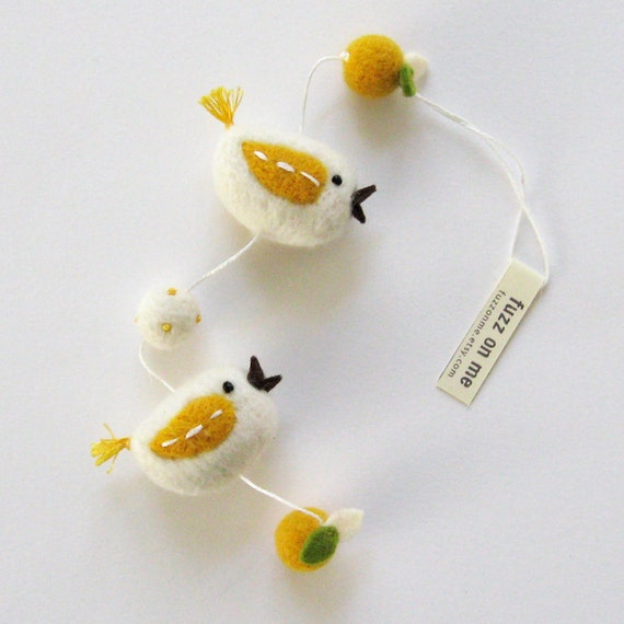 Felt bird garland : mini FUZZ 2 bird friends - fresh citrus v1