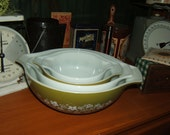 Pyrex 1970's Set of Four Nesting Bowls