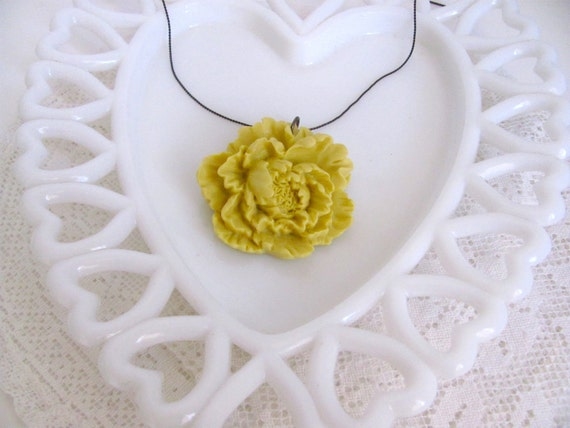 Sale: 40% off - Large Mustard Yellow Rose Necklace