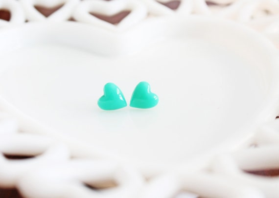 Just-Right Sized Mint Green Heart Stud Earrings