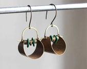 Vestales earrings - brass and green malachite stones - hand textured brass hoops - urban ethnic handmade earrings