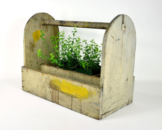 Vintage rustic tool tote for Small garden tool carrier