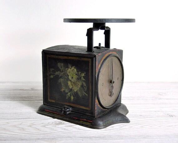 Antique Metal Scale / Industrial Decor