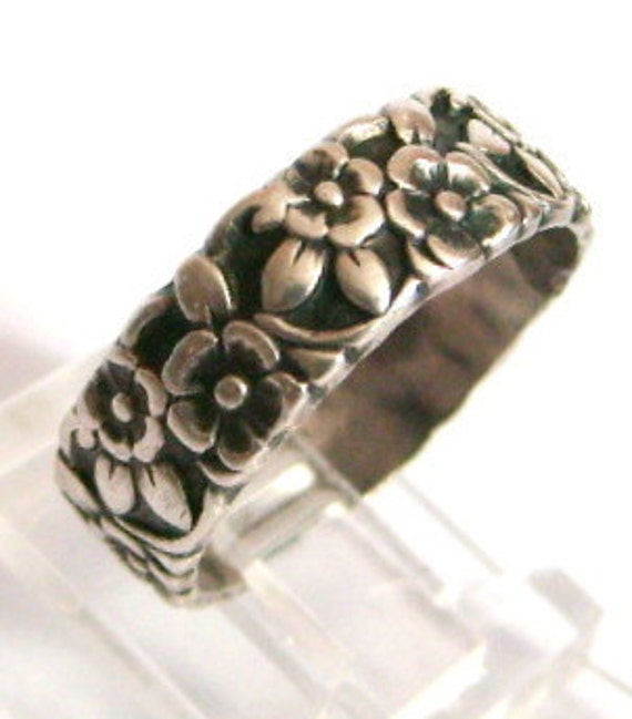 Antique Sterling Silver Floral Band Flowers Ring