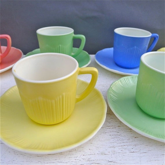 Vintage Macbeth Evans Cremax Bordette Demitasse Cups and Saucers RARE Set of 8