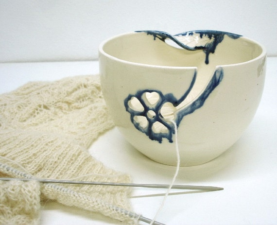 Yarn Bowl, Knitting bowl, Crochet bowl, LARGE twisted leaves luscious Blueberry Syrup Glaze  / Great Yarn Storage and Organizer