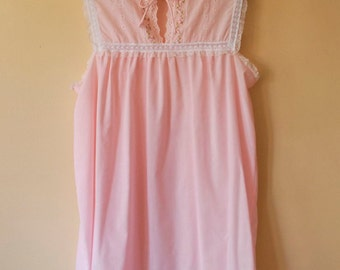 Vintage 1970s Frilly Pink Lace & Eyelet Nightie - L/XL