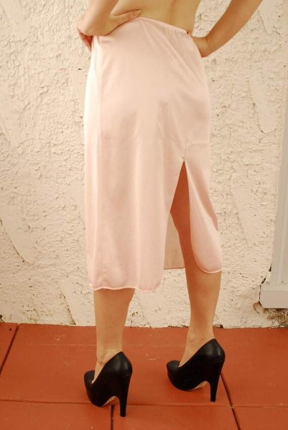 SALE - Vintage Pink Rose Applique Half Slip sz Small