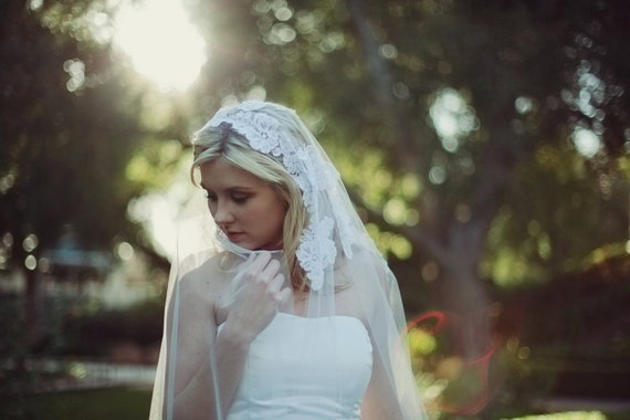 Sample Sale, Final Sale, Alencon Lace Appliques Mantilla Veil