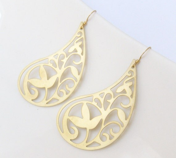 Extra Large Paisley Gold Filigree Earrings, Elegant and Swirly