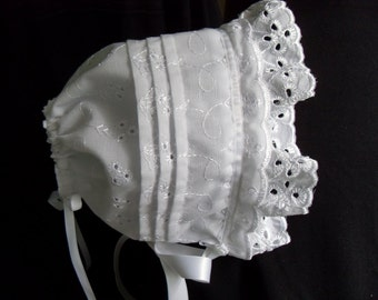 White Eyelet Lace and Tucks lined Baby sun Bonnet sz newborn through 12 months