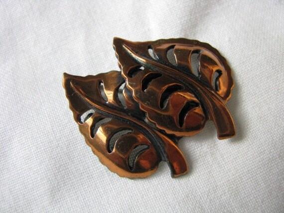 Pin. Brooch. Copper Double leaf brooch pin