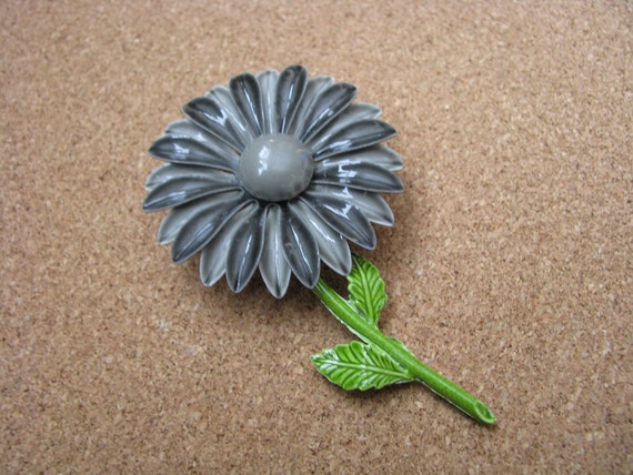 Gorgeous gray vintage enamel flower pin brooch with green stem