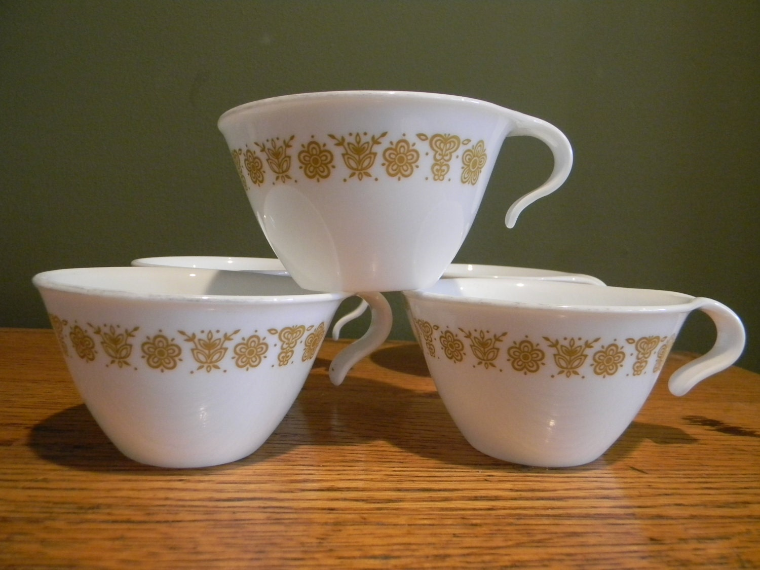 Vintage Serving Mugs Corelle Tea Cups Gold Butterfly