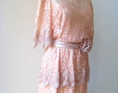 vintage pretty in peach romantic lace dress with rosette sash by Miss Elliette.  size Large/X-Large