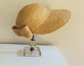 vintage WIDE BRIM straw bow hat. S/M