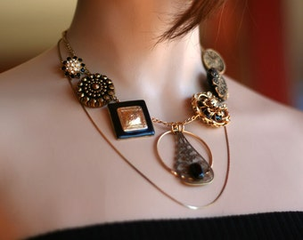 Statement Necklace: Black and Gold Style