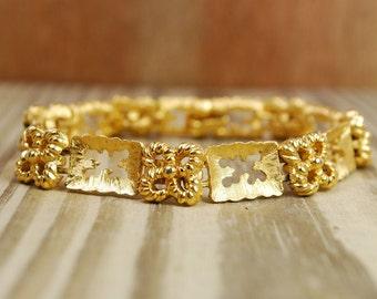 Vintage Trifari gold tone link bracelet