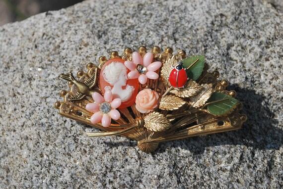 Coral cameo vintage style brooch