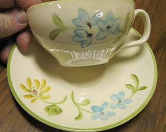 Vintage 1 cup and saucer Franciscan Daisy pattern
