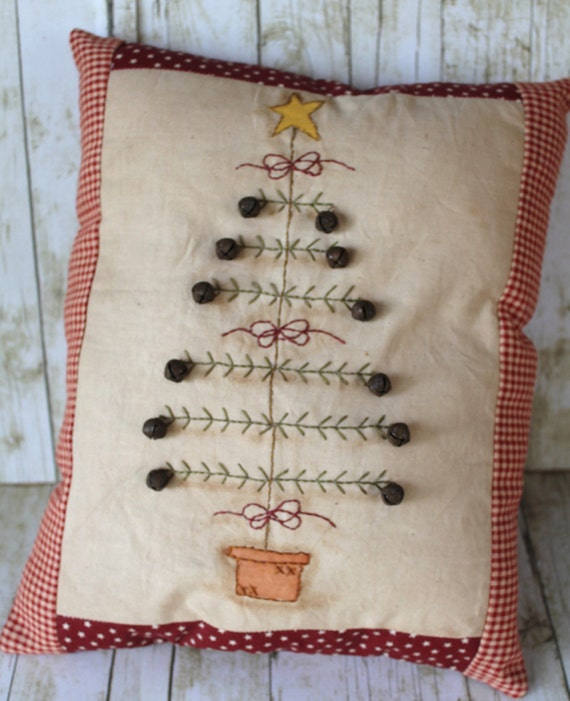 Primitive Christmas Tree With Rusty Jingle Bells Pillow Home