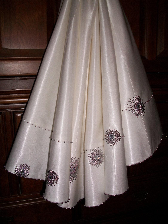 Bling white silk beaded christmas tree skirt by