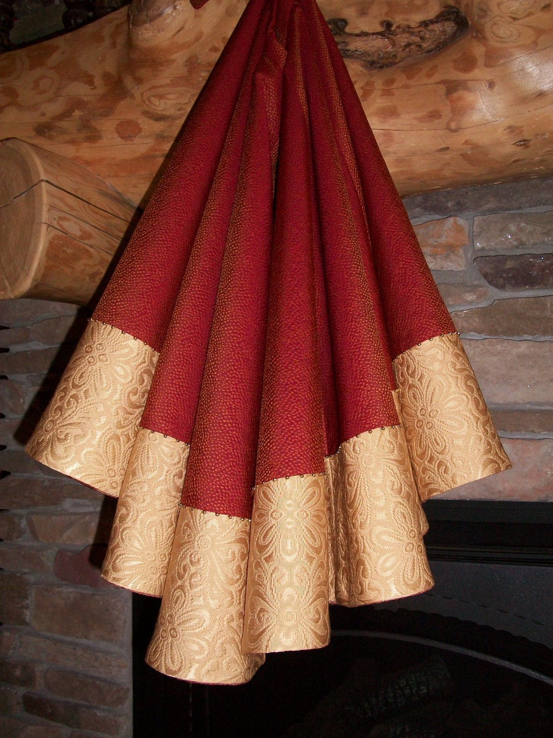 Luxurious Red And Gold Metallic Reversible Christmas Tree