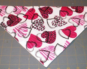 Dog Bandana Valentine, Neckerchief, February, animal print, hearts