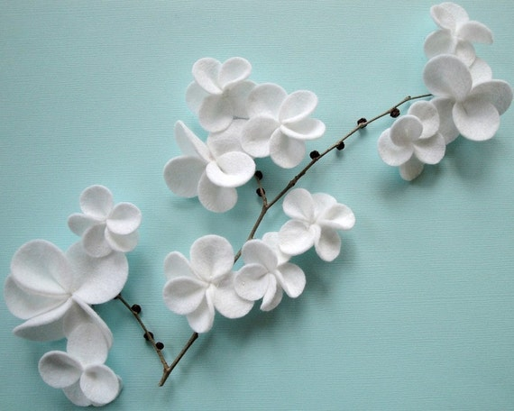 White Cascading Flower Magnets - Set of Four