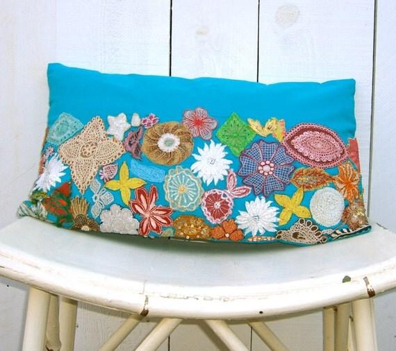 """Accent Pillow : Vintage Applique 12 x 20"""""""