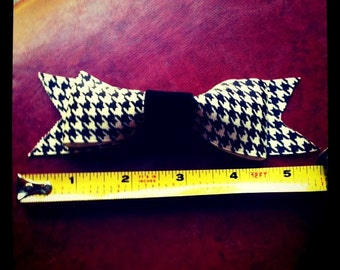 Classic Houndstooth clip