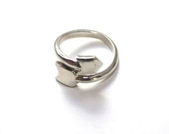 Arrow Wrap ring in sterling silver