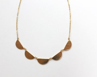 Scallop Collar Necklace (small)
