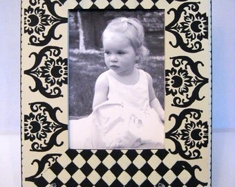 Hand Painted Picture Frame 5X7 Cream and Black