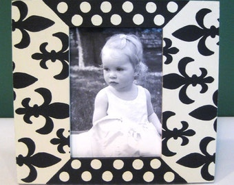 Hand Painted 3x5 Frame Black and Cream Fleur de Lis and Polka Dots , Country French Home Decor , Decorative Frames , Modern Home Decor