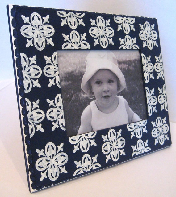 hand painted picture frame navy blue and white 5x7 from sweetdixiedesigns on etsy studio. Black Bedroom Furniture Sets. Home Design Ideas