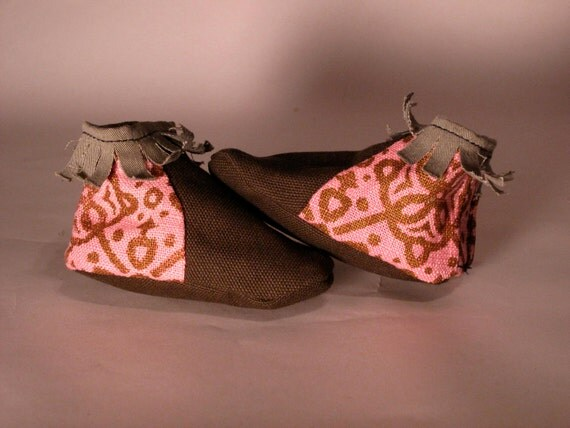 Upcycled Vegan Baby Moccasins -Brown/ Pink Linen
