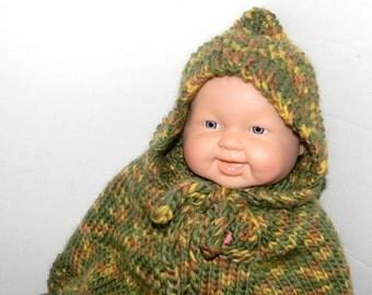 Knit poncho with hood Handknit of wool Unisex children clothing Camouflage Newborn to 18 months Baby shower gift under 50 Photo prop