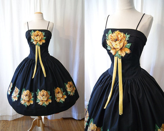 Amazing 1950's black prom party  cocktail dress  new look with yellow rose appliques vlv pin up girl - size Small to Medium