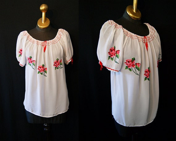ADORABLE 1940's peasant blouse  sheer white nylon with hand embroidered roses vlv rockabilly summer - speasantum