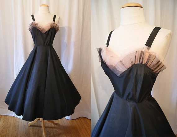Glamorous 1950's black taffeta new look party dress sweetheart petal bust vlv pin up girl - size Small