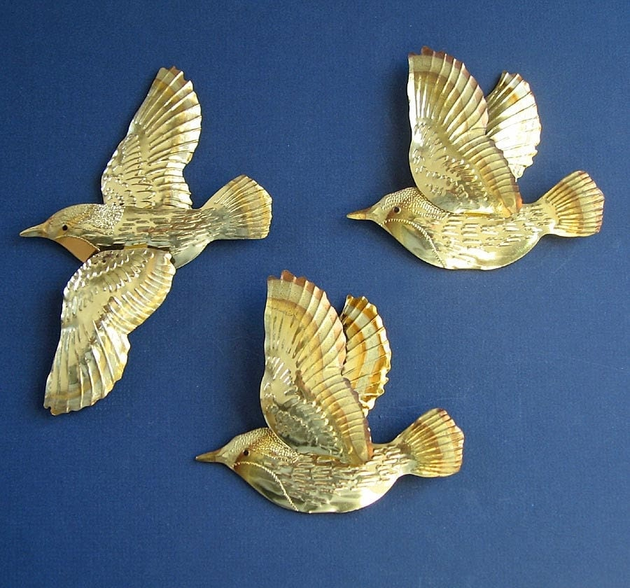 Parrot Home Decor Trend Flying High: Flying Birds Vintage Wall Decor Set Of Three Metal Birds