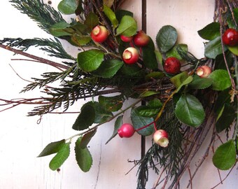 Colonial Christmas Wreath - Winter Wreath - Evergreens - Berry - Green Red
