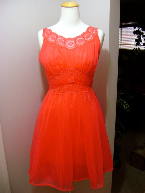 Vintage Valentines Day 1950s Vintage Candy Apple Red Nightgown Lingerie Dress